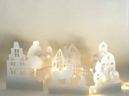 Village en papier blanc et LED